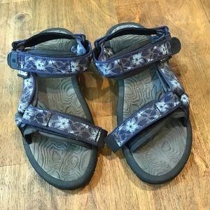 Teva | Blue Floral Pattern Strap Sandals Women's 6
